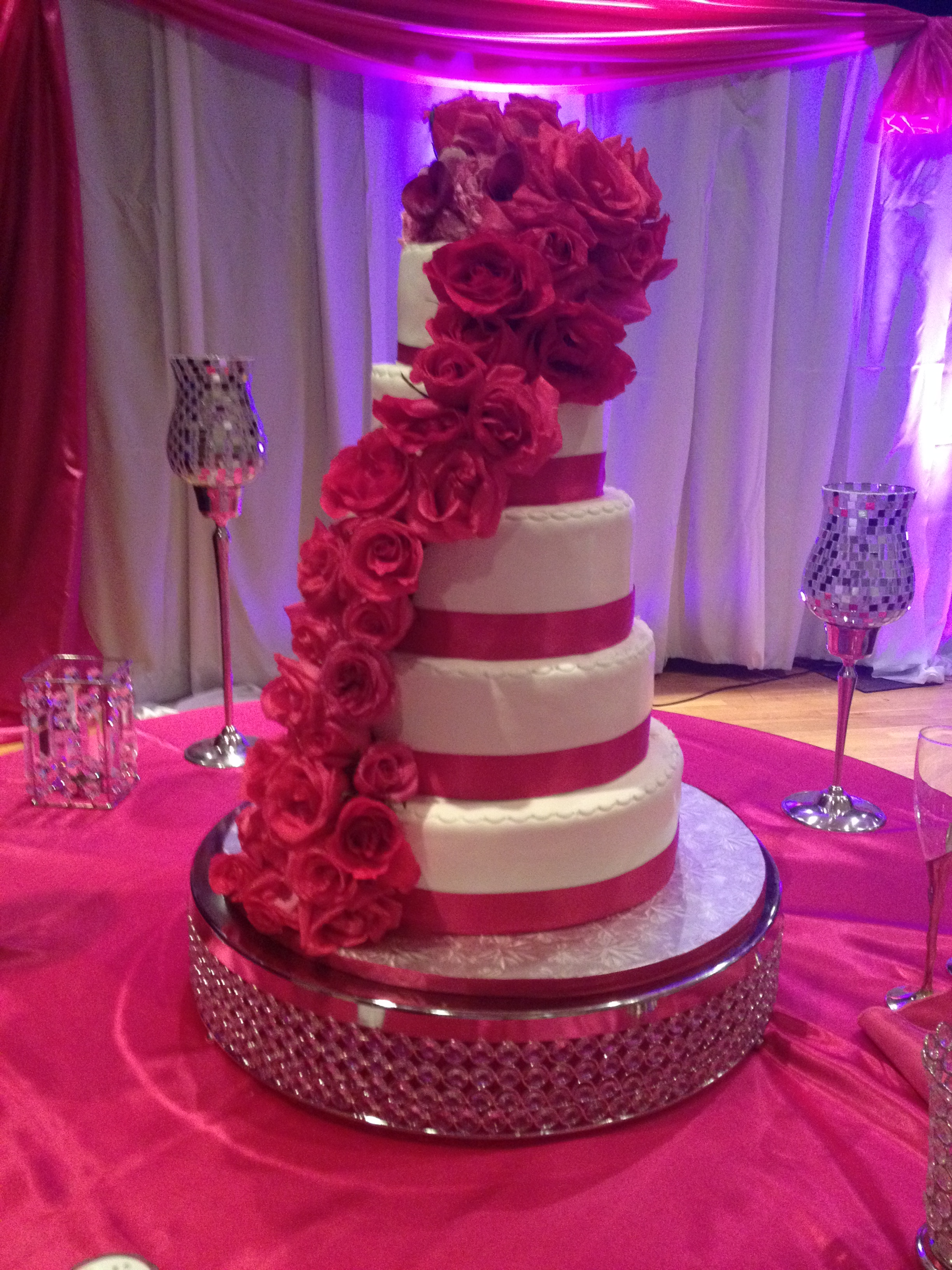 We Take Special Pride In Our Creations And Will Insure Prompt Safe Delivery Pick Up Is Also Available Wedding Black White Fondant Cake
